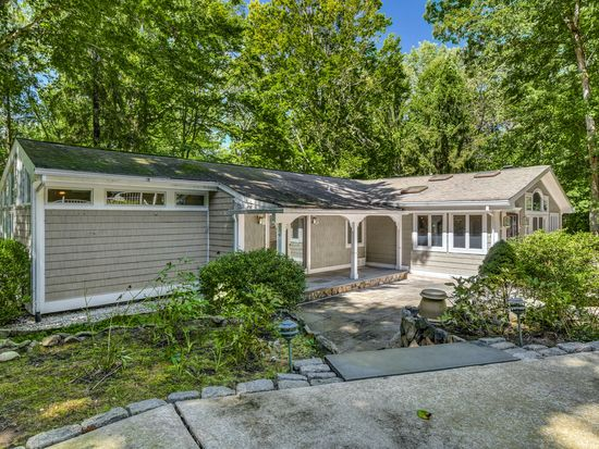 1 Old Wagon Rd Stamford Ct 06903 Zillow