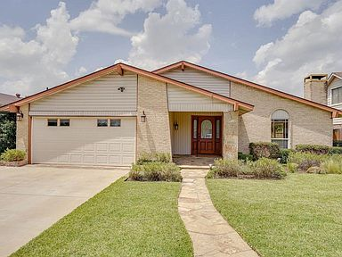 2405 Via Barcelona Carrollton Tx 75006 Zillow