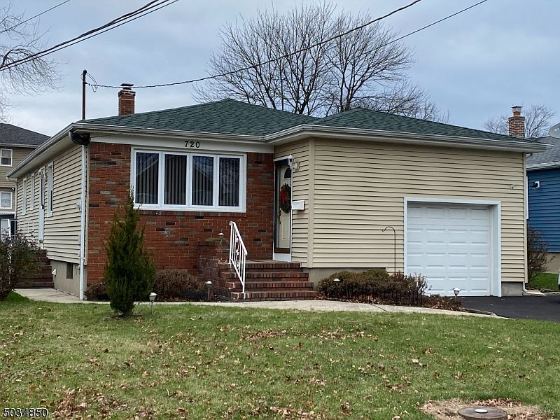 720 Monmouth Ave Kenilworth Nj 07033 Zillow