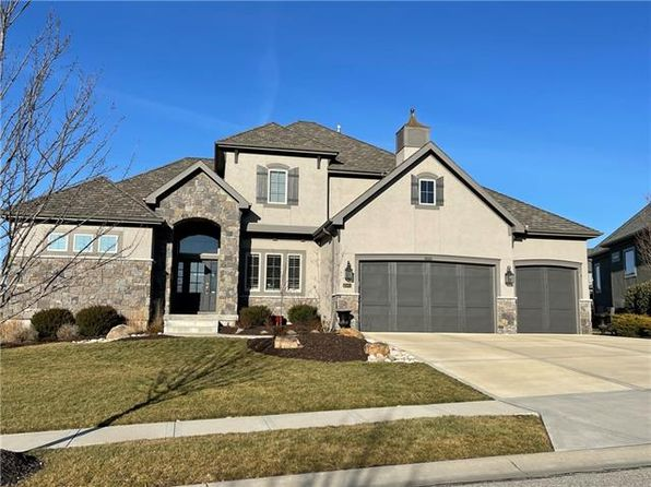 Mills Farm Overland Park Real Estate 2 Homes For Sale Zillow