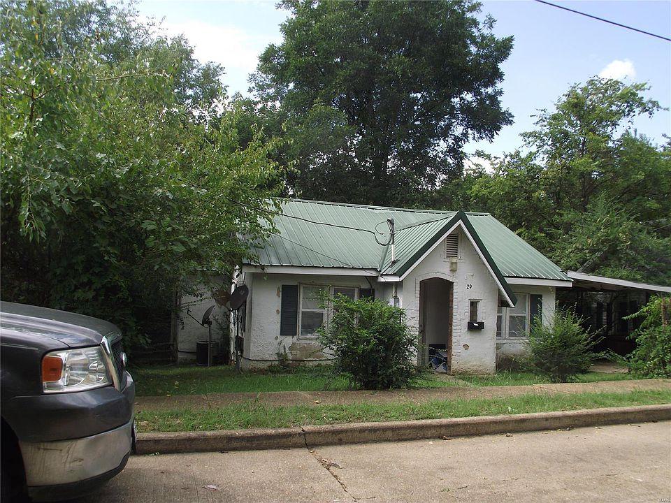 1329 Benton St Poplar Bluff Mo 63901 Mls 20078266 Zillow
