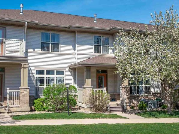 8242 Starr Grass Dr #32, Madison, WI 53719