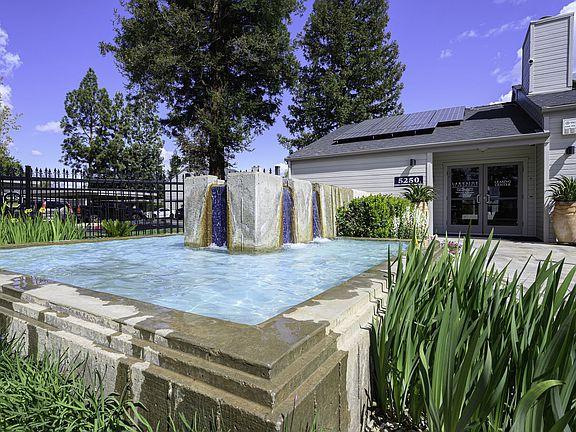 Lakeside Apartment Rentals - Fresno, CA | Zillow