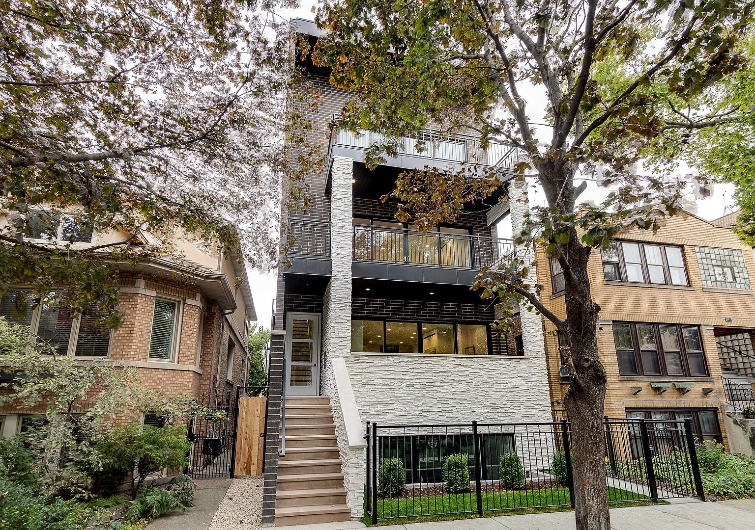 2631 N Bosworth Ave 3 Chicago Il 60614 Mls 10962125 Zillow