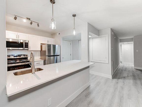 The Flats At Arrowood Apartment Rentals Charlotte Nc Zillow