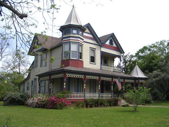 1604 Main St Greensboro Al 36744 Zillow