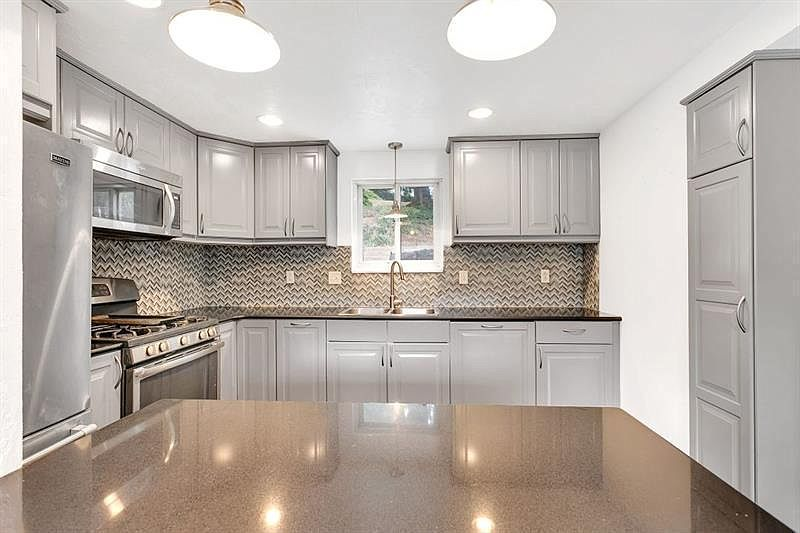 2122 Whited St Pittsburgh Pa 15210 Zillow
