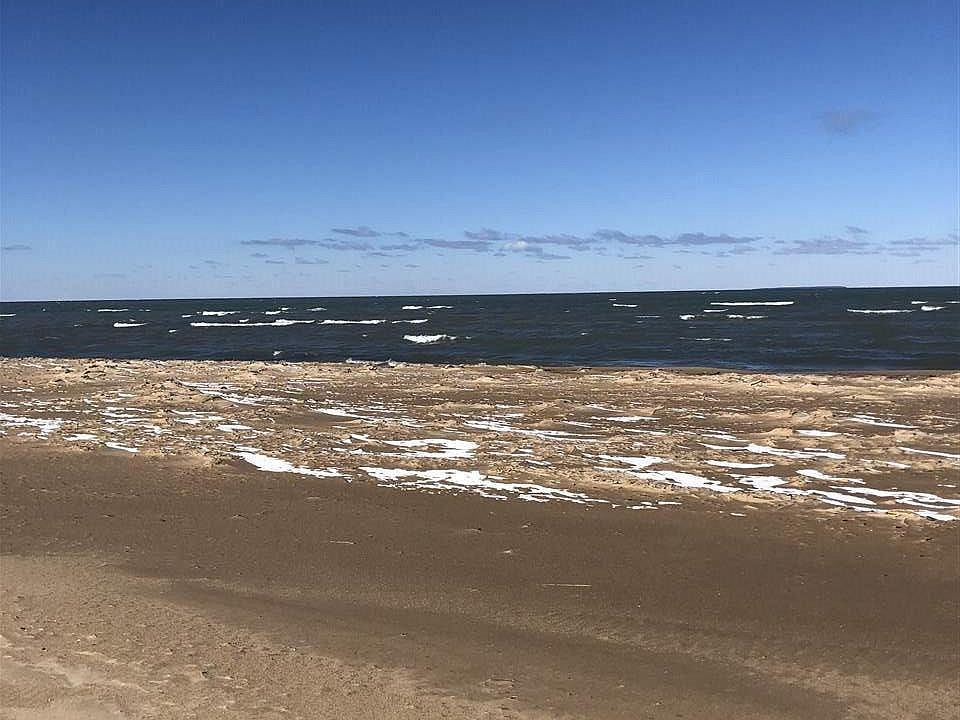 6885 Crystal Ss Dr, Caseville, MI 48725 | Zillow on