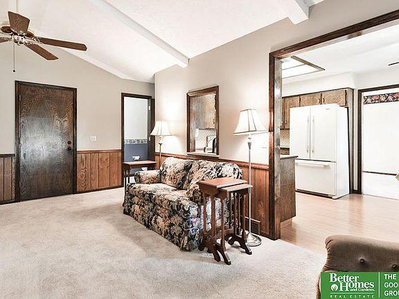 15312 Blackwell Dr Omaha Ne 68137, Crown Furniture Inc Omaha Ne 68137