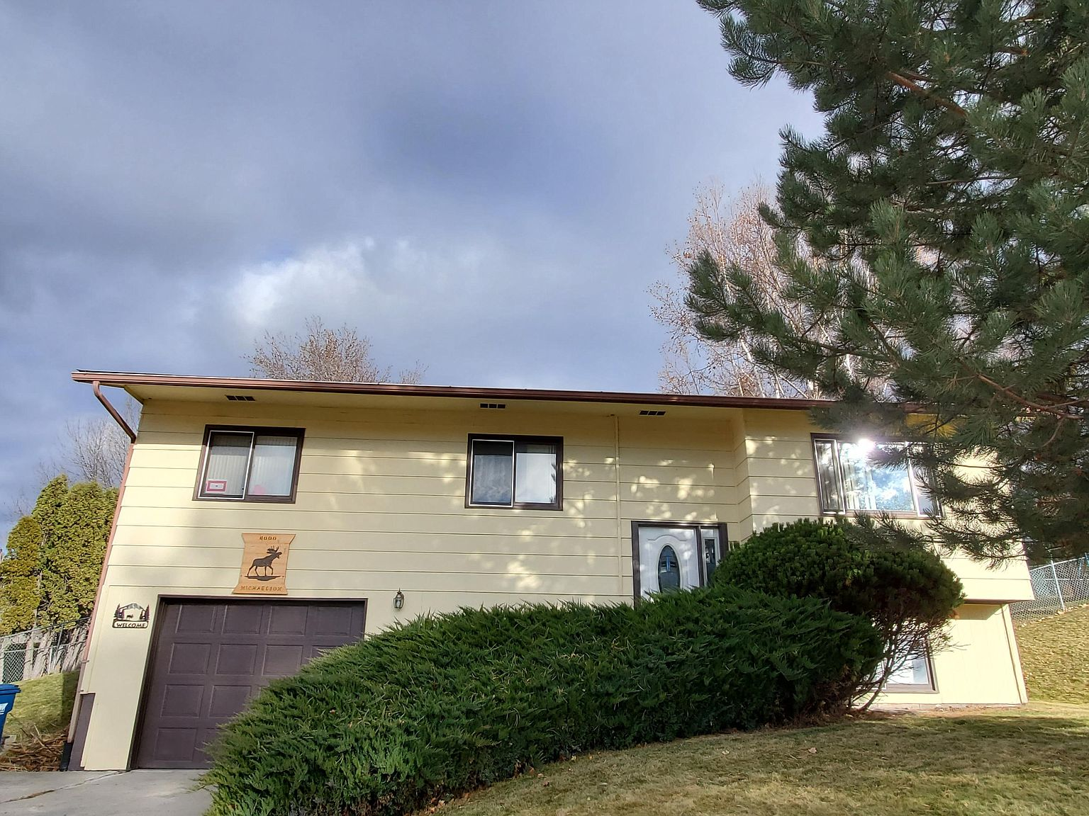 6000 Mainview Dr Missoula Mt 59803 Zillow Zillow has 365 homes for sale in missoula mt. 6000 mainview dr missoula mt 59803 mls 22018495 zillow