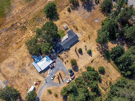 2074 Pine Grove Rd, Rogue River, OR 97537   MLS #220127693 ...