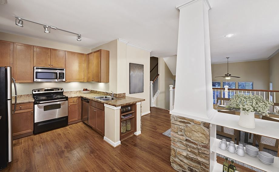 Camden Whispering Oaks Apartment Rentals Houston Tx Zillow