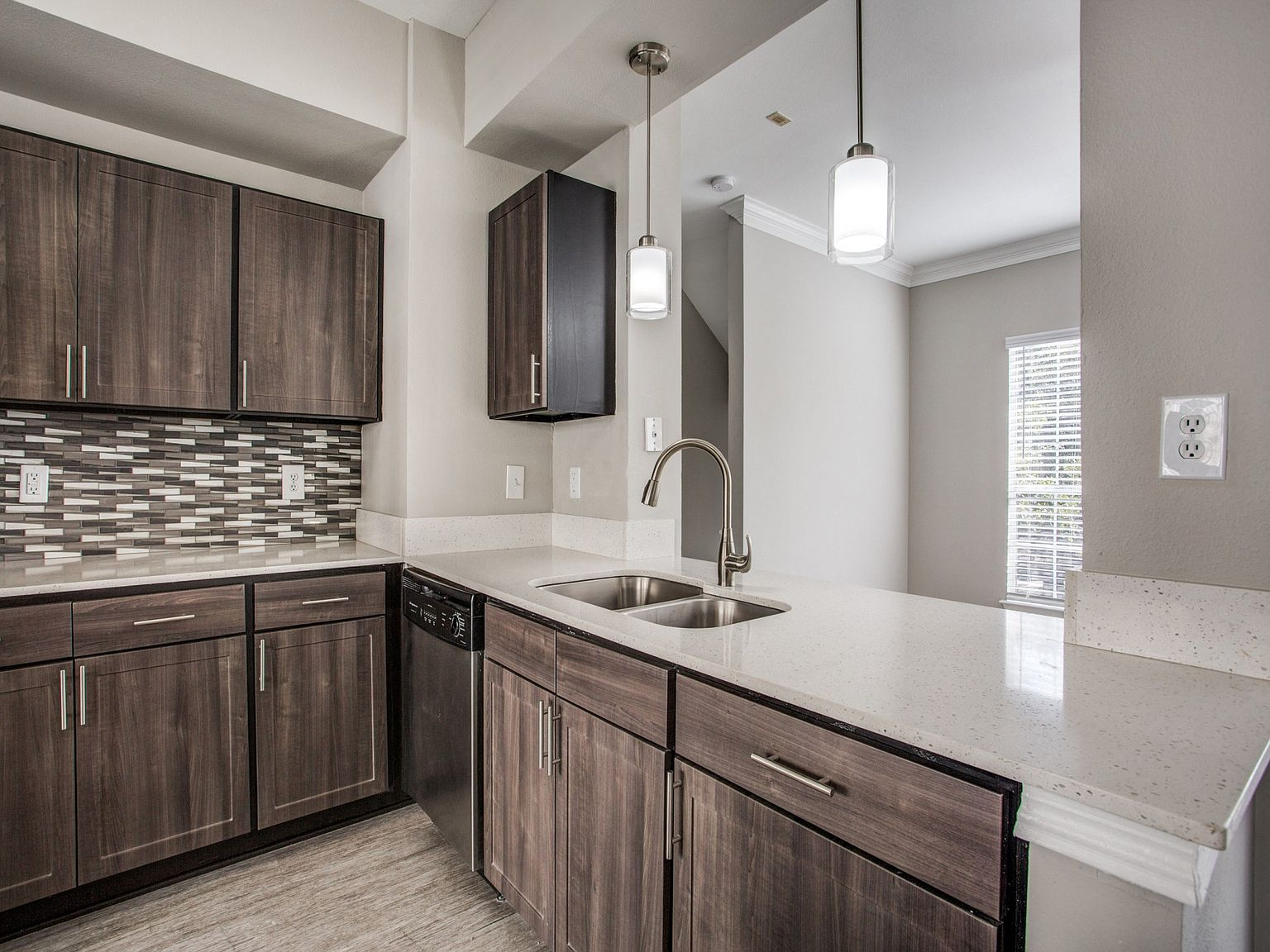 The Maroneal Apartment Rentals With Virtual Tours Houston Tx Zillow