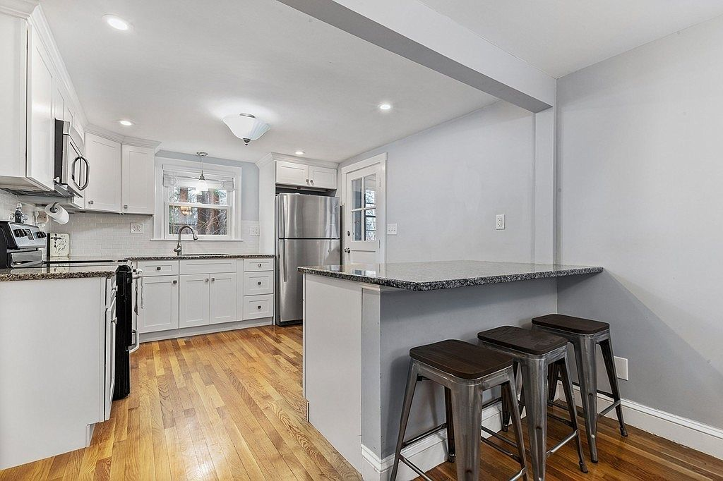 91 Connolly Rd Avon Ma 02322 Zillow