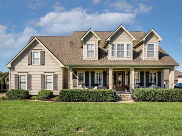 2717 Craythorne Dr, Murfreesboro, TN 37129