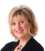 Linda Shostak, Agent in Manhattan, KS