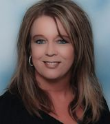 Lori Henderson, Agent in Minot, ND