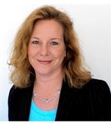 Jill Commins , Real Estate Pro in Niantic, CT