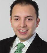 Gilberto Flores, Agent in Massapequa park, NY