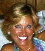 Tiffany Saun…, Real Estate Pro in Kansas City, MO