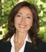 Toni Riordan, Real Estate Agent in Ridgefield, CT
