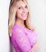 Laura Walker, Agent in Newark, DE
