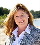 Maria Lanzisero, Real Estate Agent in Huntington, NY