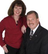 Linda & Joe Huseby, Real Estate Agent in Maple Grove, MN