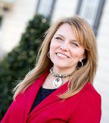 Navona Hart, Real Estate Agent in Farmville, VA