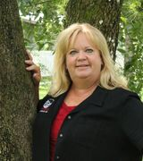 Yvonne Doll, Agent in LaBelle, FL