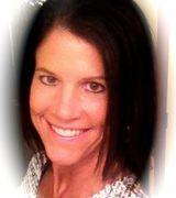 Janelle Moore, Agent in Wichita, KS