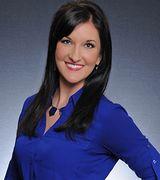 Stephanie Dennis, Agent in Davenport, IA