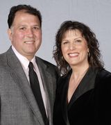 Debbie Guzzardi & Joe Scilluffo, Agent in Wheaton, IL