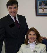 Lilly Kaklamanis and Joseph Geraci, Agent in Setauket, NY