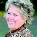 Julie Rolls, Real estate agent in Paradise