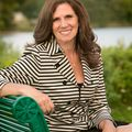 Midge Walsh, Real estate agent in Huntington