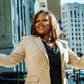 Anniece Warren, Real estate agent in Detroit