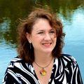 Amanda Smith, Real estate agent in