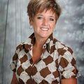 Lisa Cushing, Real estate agent in Fenton