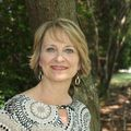 Leigh Bennett, Real estate agent in Raleigh