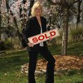 Kathy Hutchins, Real estate agent in Huntingtown