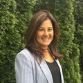 Janet Karabas, Real estate agent in Winnetka