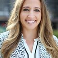 Natalie Renna, Real estate agent in Chicago