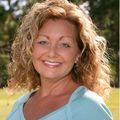Angela Earle, Real estate agent in New Smyrna Beach