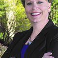 Lori Rogge, Real estate agent in Manhattan