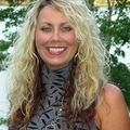 Julia Thomas, Real estate agent in Sparta