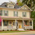 Johnston & Rhodes Real Estate, Real estate agent in Woodstock