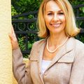 Lana Butsky, Real estate agent in Naples
