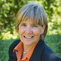 Judy Dutcher, Real estate agent in Hood River