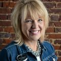 Pam Hudson, Real estate agent in Arlington